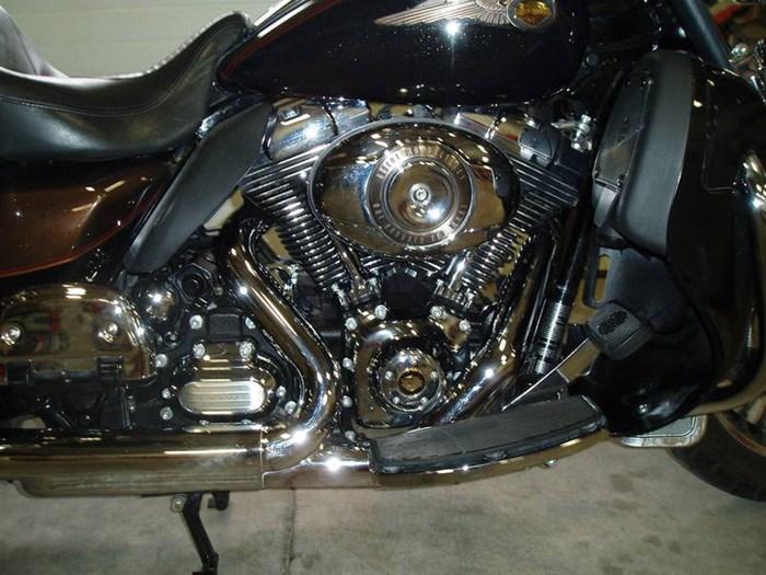 2013 Harley-Davidson FLHTK - Electra Glide® Ultra Limited 110 Photo 4 of 13
