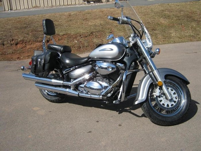 2002 Suzuki Intruder® Volusia™ Photo 1 of 4
