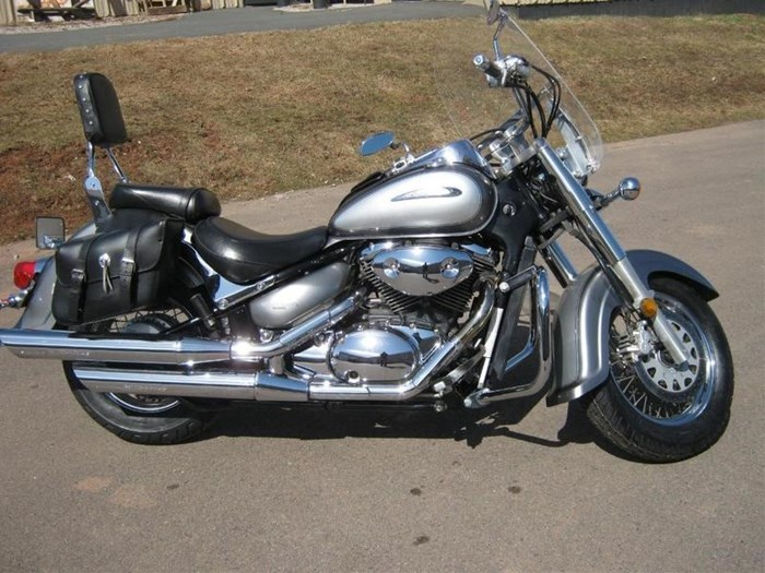 2002 Suzuki Intruder® Volusia™ Photo 2 of 4