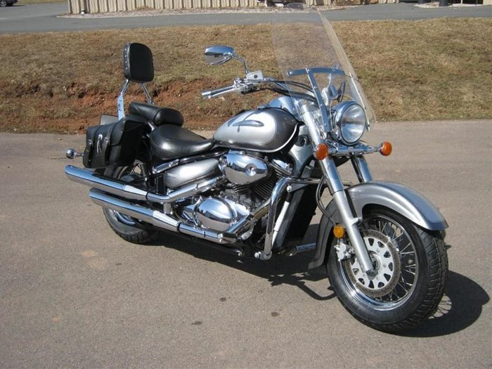 2002 Suzuki Intruder® Volusia™ Photo 4 of 4