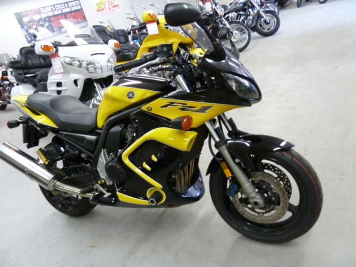 2003 Yamaha FZ1 Photo 6 of 6