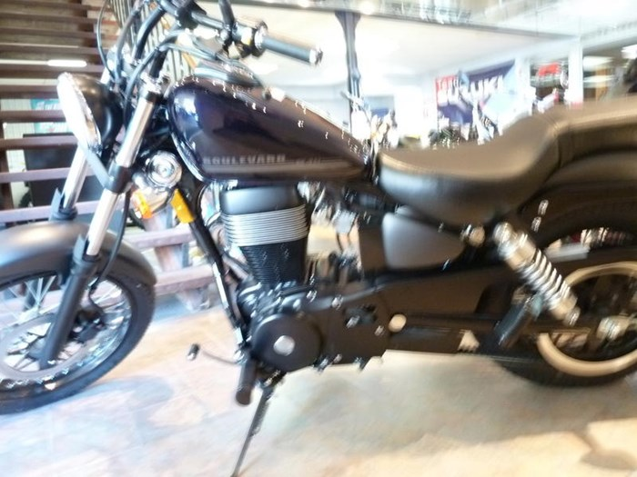 2018 Suzuki Boulevard S40 Photo 3 of 4