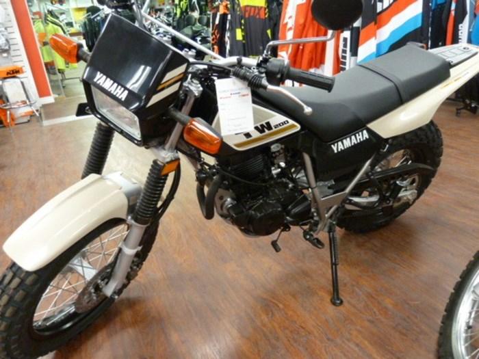 2018 Yamaha TW200 Photo 2 of 2