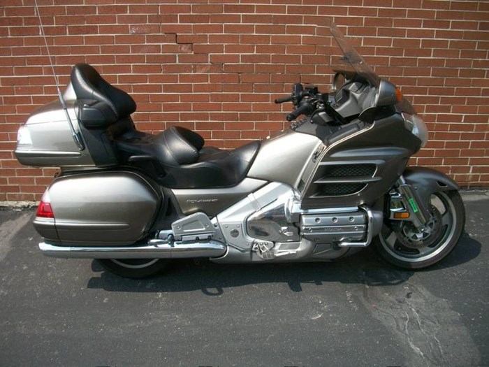 2006 Honda GL1800A Gold-Wing Photo 1 of 29