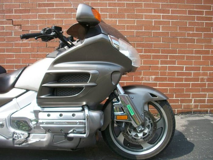 2006 Honda GL1800A Gold-Wing Photo 3 of 29