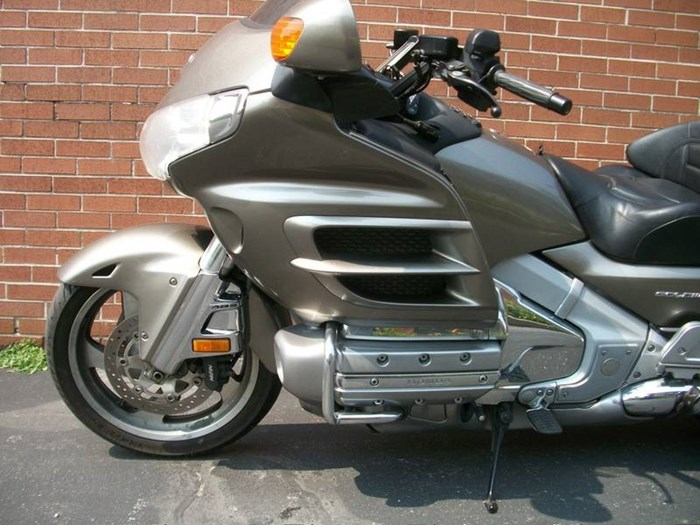 2006 Honda GL1800A Gold-Wing Photo 15 of 29
