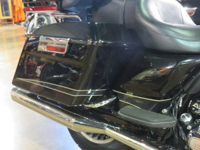 2011 Harley-Davidson FLTRU - Road Glide® Ultra Photo 3 of 11
