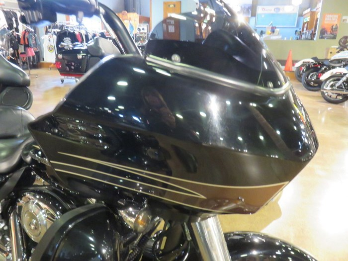 2011 Harley-Davidson FLTRU - Road Glide® Ultra Photo 6 of 11