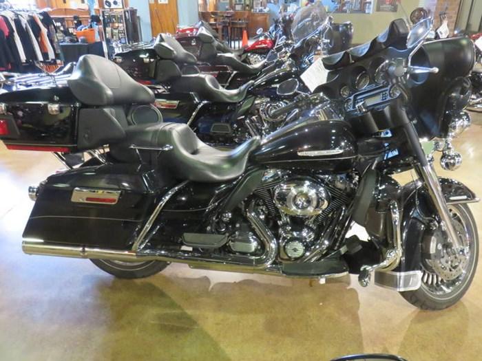2012 Harley-Davidson FLHTK - Electra Glide® Ultra Limited Photo 3 of 13