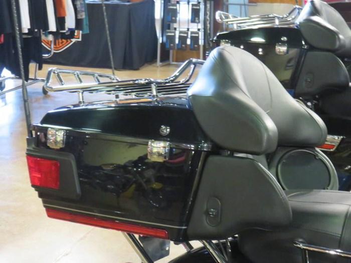 2012 Harley-Davidson FLHTK - Electra Glide® Ultra Limited Photo 9 of 13