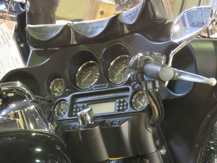2012 Harley-Davidson FLHTK - Electra Glide® Ultra Limited Photo 10 of 13