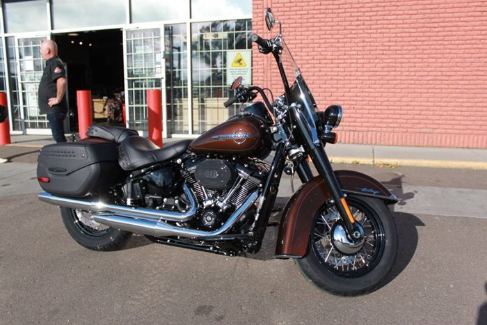 2019 Harley-Davidson FLHCS - Softail® Heritage Classic 114 Photo 2 of 7