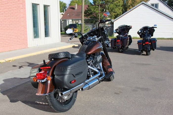 2019 Harley-Davidson FLHCS - Softail® Heritage Classic 114 Photo 4 of 7