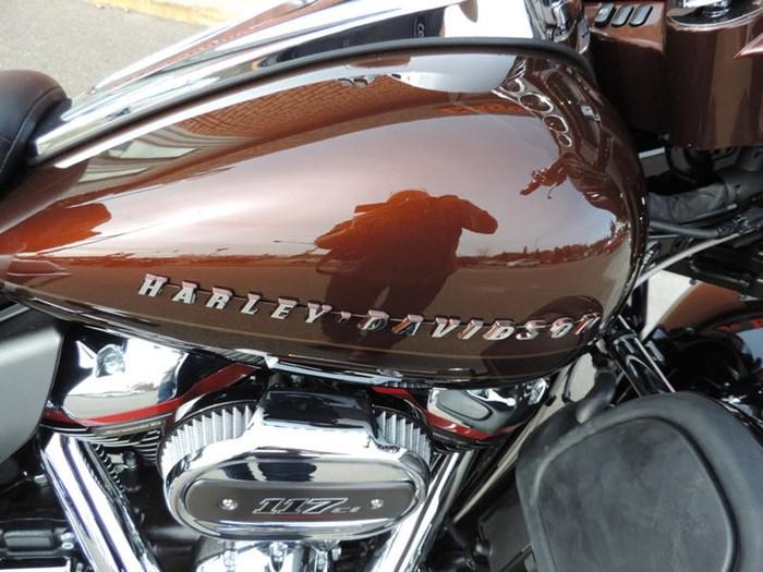 2019 Harley-Davidson FLHTKSE - CVO™ Limited Photo 3 of 8