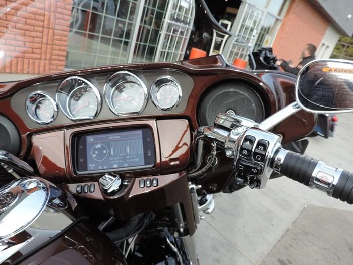 2019 Harley-Davidson FLHTKSE - CVO™ Limited Photo 5 of 8