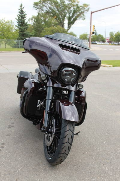 2019 Harley-Davidson FLHXSE - CVO™ Street Glide® Photo 3 of 17