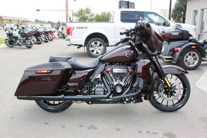 2019 Harley-Davidson FLHXSE - CVO™ Street Glide® Photo 4 of 17