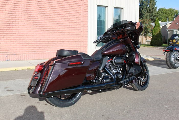 2019 Harley-Davidson FLHXSE - CVO™ Street Glide® Photo 12 of 17