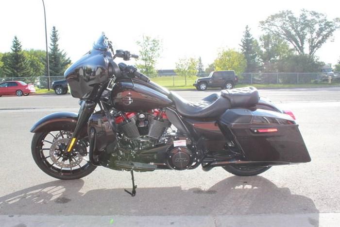 2019 Harley-Davidson FLHXSE - CVO™ Street Glide® Photo 15 of 17