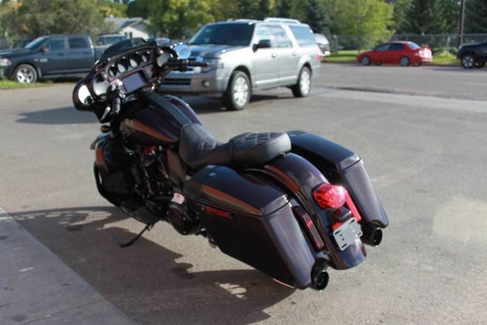 2019 Harley-Davidson FLHXSE - CVO™ Street Glide® Photo 16 of 17