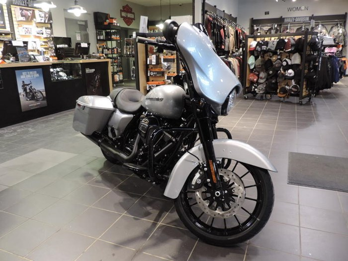 2019 Harley-Davidson FLHXS - Street Glide® Special Photo 4 of 7