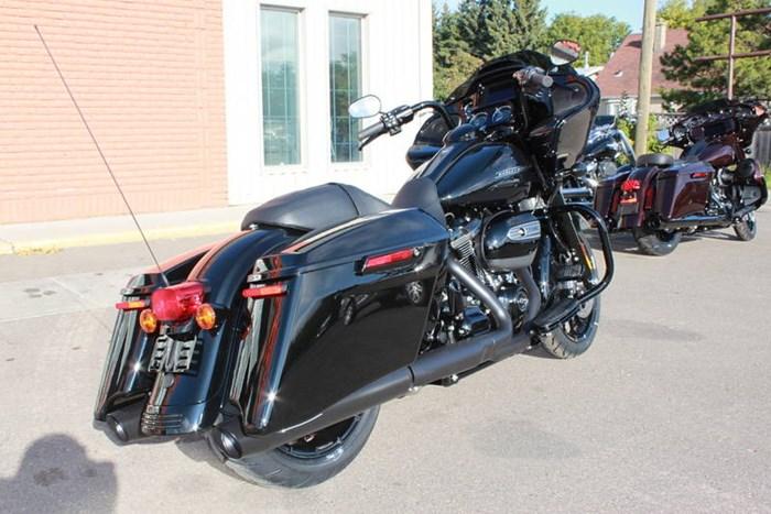 2019 Harley-Davidson FLTRXS - Road Glide® Special Photo 3 of 7