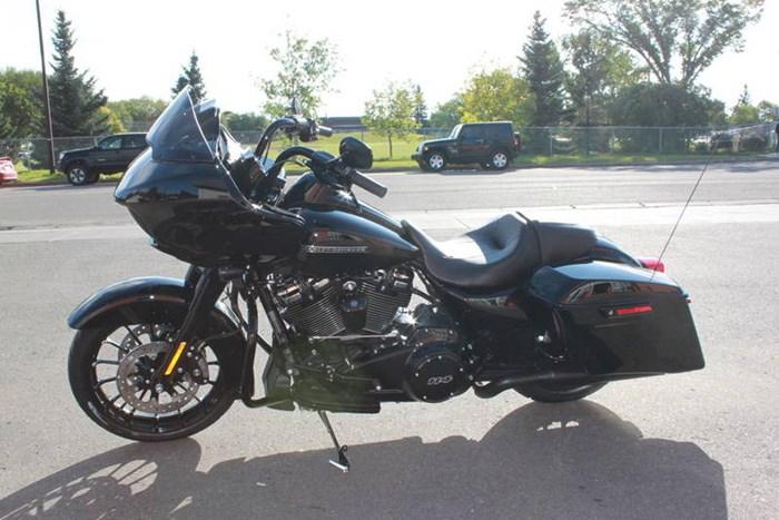 2019 Harley-Davidson FLTRXS - Road Glide® Special Photo 6 of 7