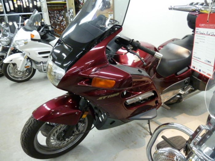2002 Honda ST1100 Photo 5 of 8