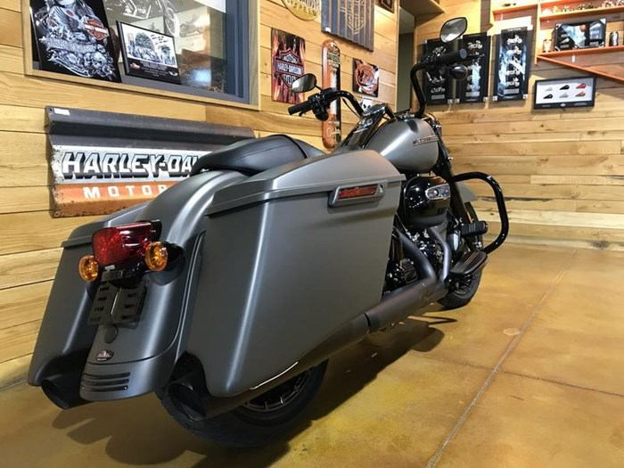 2018 Harley-Davidson FLHRXS - Road King® Special Photo 2 of 7