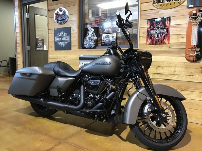 2018 Harley-Davidson FLHRXS - Road King® Special Photo 3 of 7