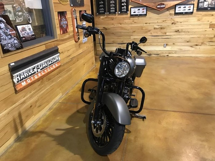 2018 Harley-Davidson FLHRXS - Road King® Special Photo 4 of 7
