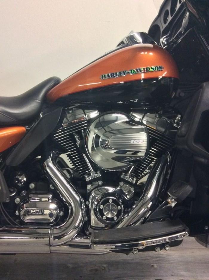 2016 Harley-Davidson FLHTK - Ultra Limited Photo 2 of 12