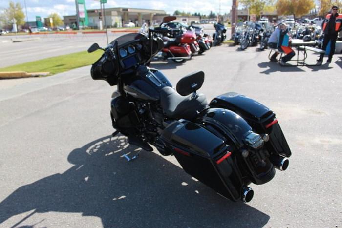 2019 Harley-Davidson FLHXS - Street Glide® Special Photo 3 of 12
