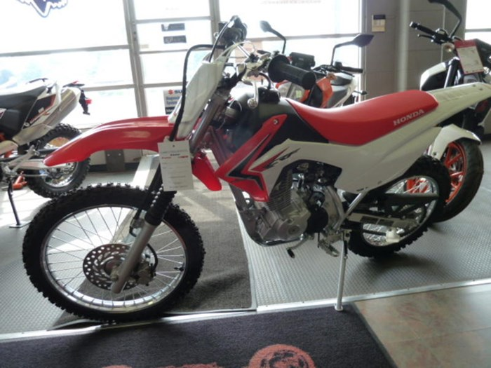 2018 Honda CRF125FB Photo 3 of 5