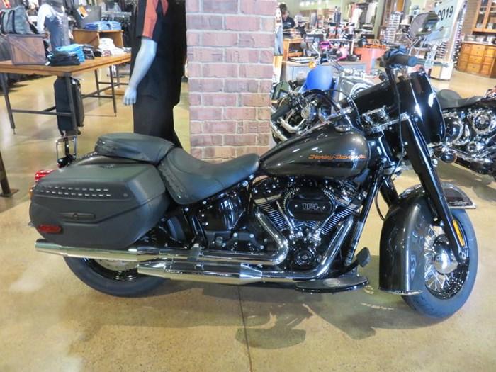 2019 Harley-Davidson FLHCS - Softail® Heritage Classic 114 Photo 1 of 9