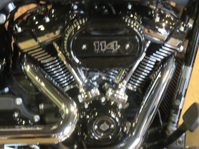 2019 Harley-Davidson FLHCS - Softail® Heritage Classic 114 Photo 2 of 9