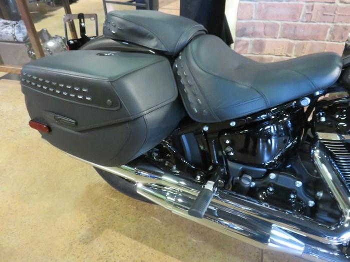 2019 Harley-Davidson FLHCS - Softail® Heritage Classic 114 Photo 5 of 9