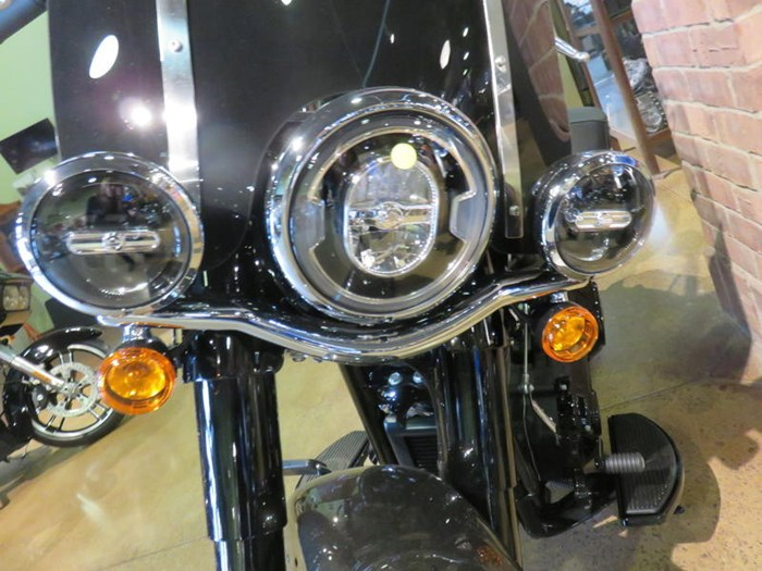 2019 Harley-Davidson FLHCS - Softail® Heritage Classic 114 Photo 7 of 9