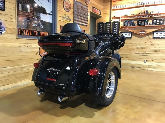 New 2016 Harley Davidson Tri Glide Ultra Flhtcutg Touring: Tri Glide® Ultra 2016 Used
