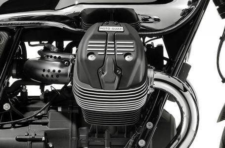 2018 Moto Guzzi V7 III Carbon Shine Photo 7 of 10