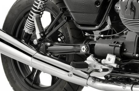 2018 Moto Guzzi V7 III Carbon Shine Photo 2 of 10