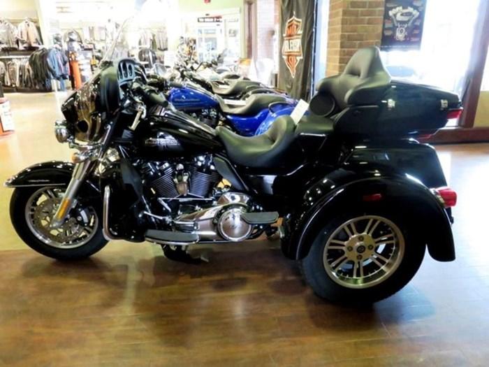 2019 Harley-Davidson FLHTCUTG - Tri Glide® Ultra Photo 1 of 15