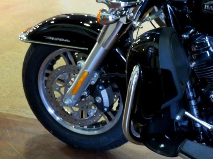 2019 Harley-Davidson FLHTCUTG - Tri Glide® Ultra Photo 4 of 15