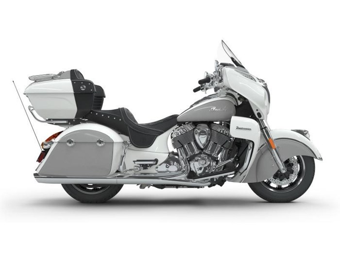 2018 Indian Motorcycle® Roadmaster® ABS Pearl White over Star Si Photo 7 of 11