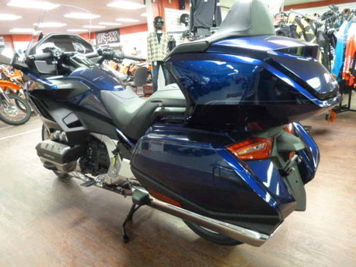 2019 Honda Gold Wing Tour DCT ABS Photo 6 of 9