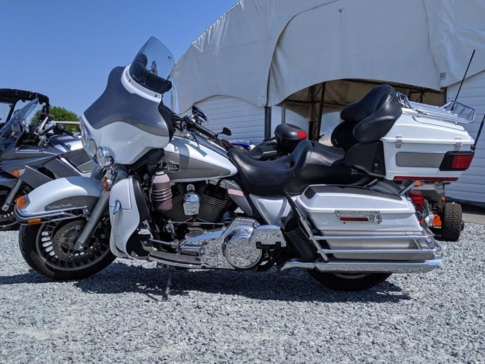 2009 Harley-Davidson Electra Glide Ultra Classic Photo 2 of 11
