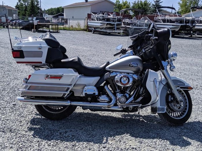 2009 Harley-Davidson Electra Glide Ultra Classic Photo 3 of 11