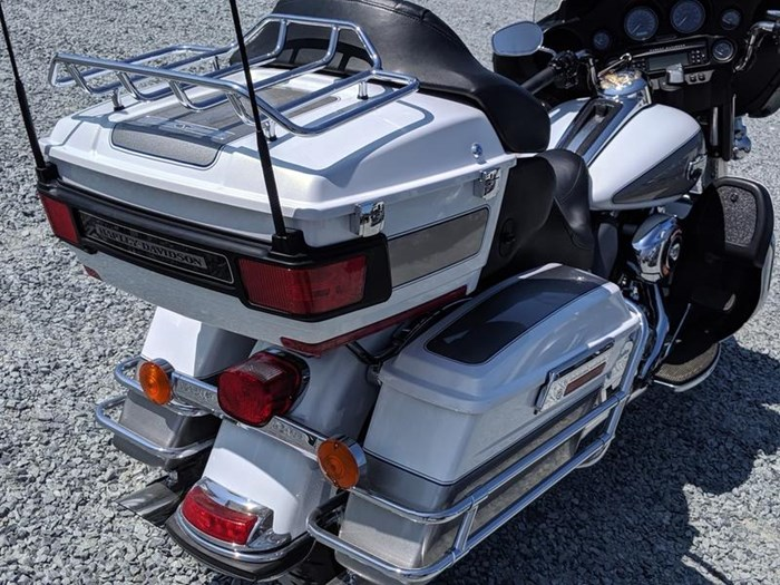2009 Harley-Davidson Electra Glide Ultra Classic Photo 7 of 11