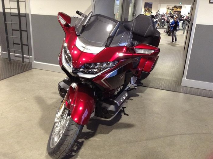 2019 Honda Gold Wing Tour DCT Airbag ABS Photo 3 sur 6