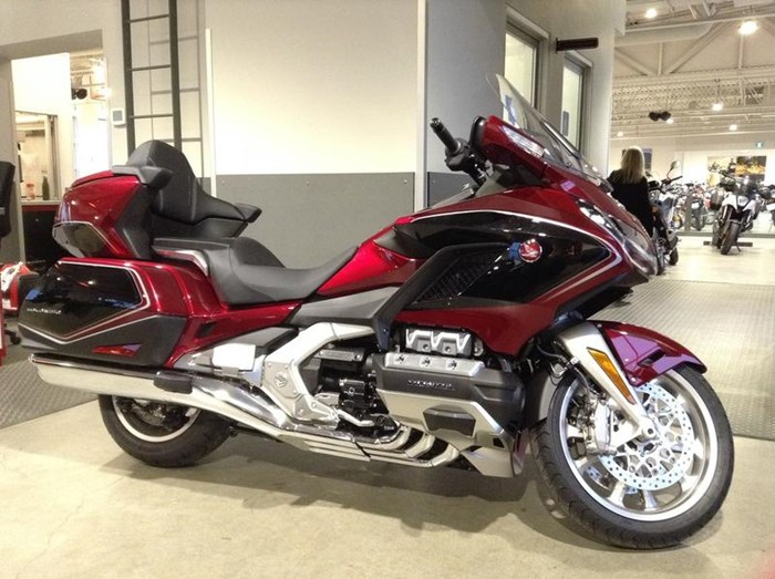 2019 Honda Gold Wing Tour DCT Airbag ABS Photo 4 sur 6